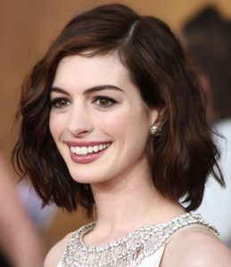 anne-hathaway-short-hairstyles
